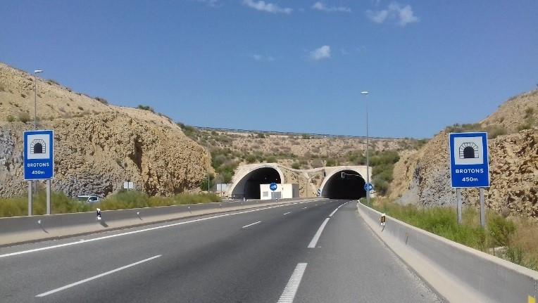 Contrato de servicios para la ejecución de diversas operaciones de conservación y explotación en la autopista AP-7 Circunvalación de Alicante