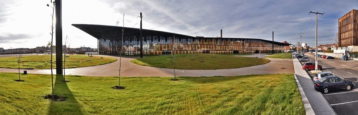 Urbanización de la plaza del Palacio de Congresos y Exposiciones de León