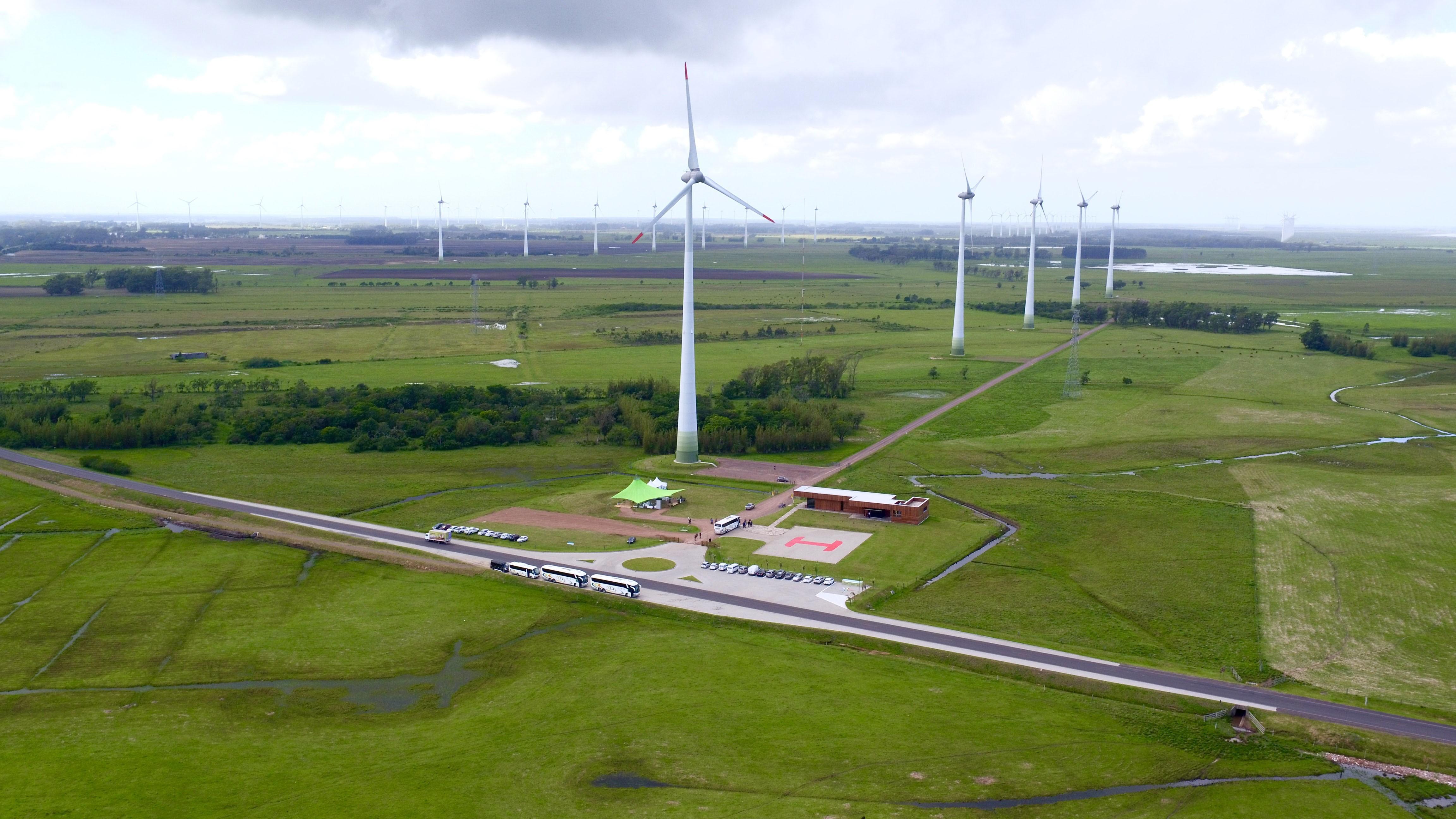 Centro de visitantes en los parques eólicos de Osório. Brasil