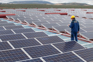 Roof-mounted solar photovoltaic installation for Puertas THT in Antequera. Malaga